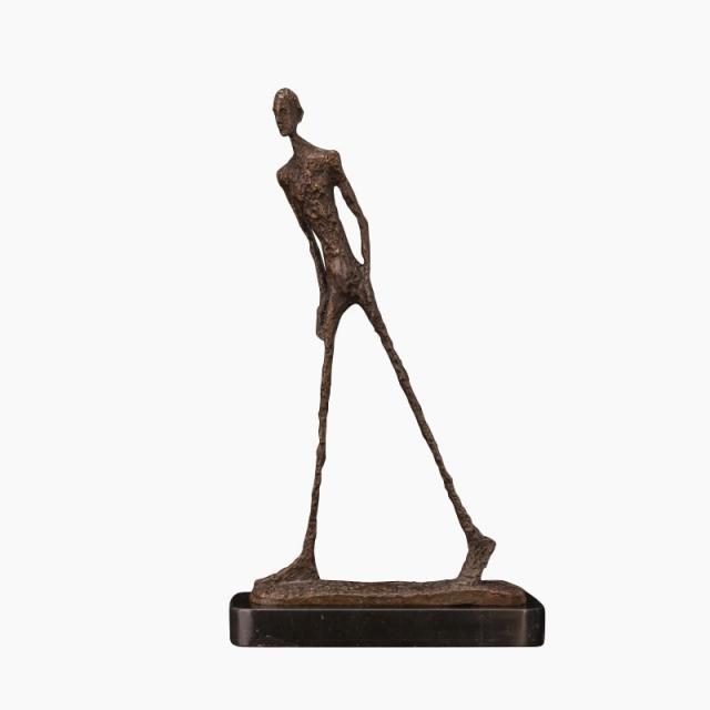 Статуи и скульптуры